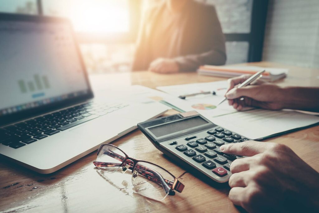 How to Keep Track of Freelancer Tax Deductions and Financials