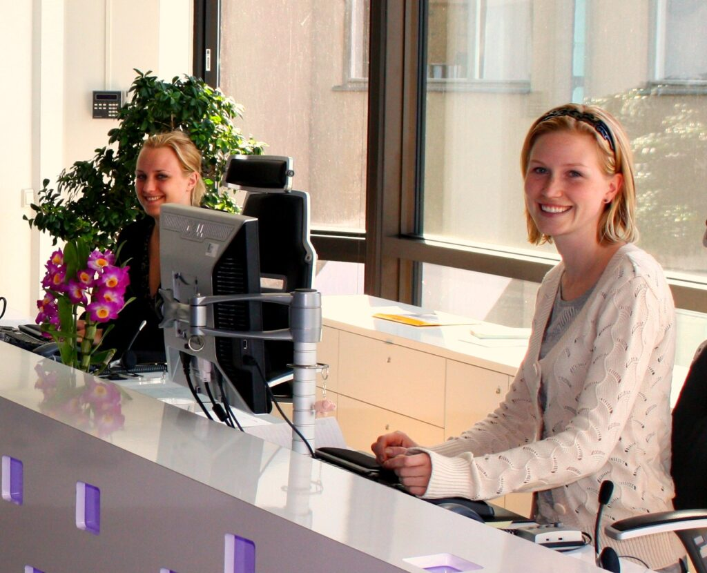 The Different Types of Receptionist Jobs, Explained